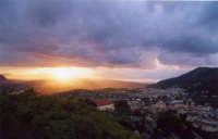 Il sole si fa spazio fra le nuvole  - Montelepre (5472 clic)