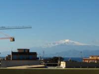 21 novembre.  L'Etna innevato visto da Reggio Calabria in una splendida giornata di sole.  - Etna (2206 clic)