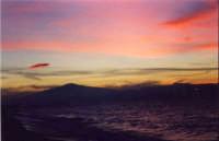 Ufo al tramonto sull'Etna  - Etna (7711 clic)