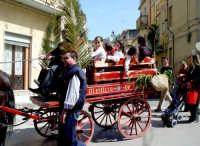 Valguarnera Festa popolare di S:Giuseppe 19 marzo Bambini in festa sul tradizionale Carretto Siciliano  - Valguarnera caropepe (8149 clic)