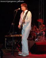 Sandro Giacobbe - agosto 2005  - Oliveri (4121 clic)