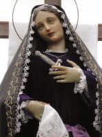 La Vergine Addolorata protagonista della processione mattutina del Venerdì Santo.  - Biancavilla (2805 clic)