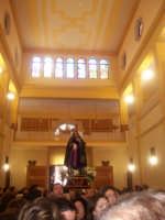 Processione Addolorata giunta all'interno del monastero delle monache clarisse. (by v.v. 2005)  - Biancavilla (3533 clic)