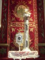 Le reliquie dei Santi Patroni martiri Placido(frammento dell'osso del braccio) San Zenone d'Arabia(molare)  - Biancavilla (3705 clic)