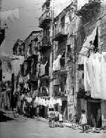 Palermo anni 60-Cortile Cascino PALERMO leo lima