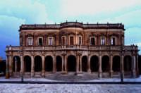 Il Municipio di noto, squisito esempio di barocco siciliano  - Noto (3773 clic)