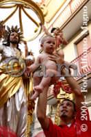 Festa del SS. Salvatore. I bambini vengono affidati al Patrono.  - Militello in val di catania (5478 clic)