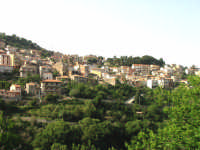 vista dal basso  - Montagnareale (3761 clic)
