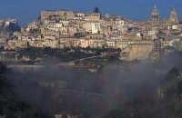 la città  - Ragusa (1907 clic)