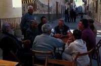 IN PIAZZA,  IL GIOCO DELLE CARTE  - Marettimo (6220 clic)