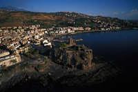 VEDUTA AERA DEL CASTELLO NORMANNO  - Aci castello (5689 clic)