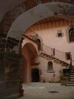 Castello. Ingresso al cortile interno.  - Castelbuono (2870 clic)