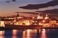 Panorama di Catania al tramonto  - Catania (7951 clic)