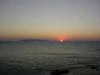 tramonto a levanzo, visto da trapani  - Trapani (2091 clic)