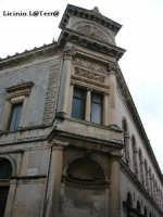 Soluzione d'angolo del Teatro Comunale, tra Via del Teatro e Via Roma in Ortigia  - Siracusa (1909 clic)