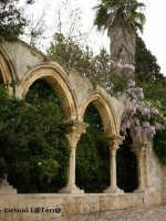 Particolare del portico sud della Chiesa di S. Giovanni alle Catacombe  - Siracusa (1919 clic)