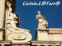 La statua di S. Lucia sul prospetto del Duomo  - Siracusa (1507 clic)