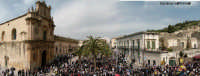 Piazza Busacca gremita di gente per il Cristo Risorto, Pasqua 2005  - Scicli (7963 clic)