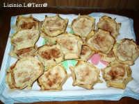 Cassatine di ricotta, dolce tipo di Pasqua a base di ricotta, zucchero e cannella  - Cava d'aliga (8666 clic)