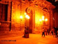 L'ingresso di Palazzo Vermexio in Piazza Duomo ad Ortigia di notte  - Siracusa (4239 clic)