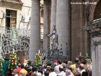 L'uscita del Simulacro argenteo di S. Lucia dalla Cattedrale per la festa di Maggio di S. Lucia delle quaglie  - Siracusa (5600 clic)