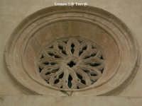 Particolare del secondo rosone nella chiesa di S. Giovanni  - Siracusa (1851 clic)