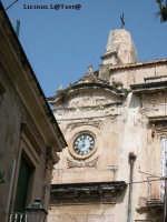 Particolare dell'orologio del piccolo campanile della Chiesa di S. Francesco All'Immacolata visto da Via della Giudecca in Ortigia  - Siracusa (1807 clic)