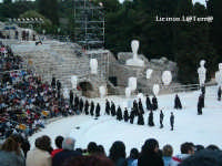 XLI° Ciclo di Rappresentazioni Classiche al Teatro Greco, Antigone di Sofocle, Maggio 2005  - Siracusa (2588 clic)