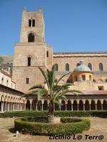 Particolare della Cattedrale di Monreale vista dal chiostro  - Monreale (881 clic)