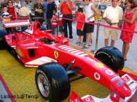 La Ferrari F2003 campione del Mondo di F1 di M. Schumacher a Piazza Duomo in Ortigia  - Siracusa (3440 clic)