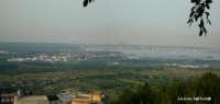 La zona industriale e il Porto di Augusta visti da Melilli  - Melilli (4562 clic)