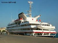 Nave da crociera ancorata al Porto Grande  - Siracusa (6131 clic)