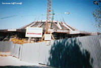 Il Santuario della Madonnina delle Lacrime in costruzione, lato Est. Primi anni '90  - Siracusa (2761 clic)