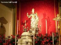 Simulacro argenteo di S. Lucia sull'altare della Chiesa di S. Lucia fuori le mura, nella settimana della festa 13-22 Dicembre, eccezzionalmente invece del 20 Dicembre è stata prolungata fino al 22 Dicembre giorno in cui le reliquie di S. Lucia sono tornate a Venezia  - Siracusa (3187 clic)