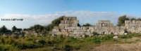 Resti delle Mura Dionigiane, cingevano Siracusa con a capo il mastio del Castello Eurialo. In totale la lunghezza delle mura raggiungeva la bellezza di 22 Km  - Siracusa (5349 clic)