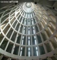 Particolare della immensa struttura che copre la Basilica superiore del Santuario della Madonnina delle Lacrime  - Siracusa (2296 clic)