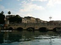 Il Ponte Umbertino che collega Ortigia a Siracusa  - Siracusa (4149 clic)
