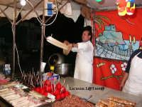 Preparazione dello Zuccaro alla fiera di S. Lucia in occasione dei festeggiamenti di Dicembre  - Siracusa (4704 clic)