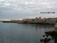 Punta estrema di Ortigia vista dal Lungomare di Levante  - Siracusa (2051 clic)