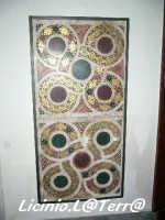 Resti di mosaici di epoca Normanna, si trovano all'interno del Battistero del Duomo  - Siracusa (2051 clic)