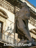 La statua di S. Pietro, particolare del Duomo  - Siracusa (1369 clic)