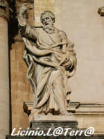 La statua di S. Paolo, particolare del Duomo  - Siracusa (1302 clic)
