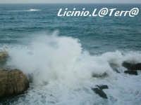 Il mare che si infrange sugli scogli, Lungomare di Levante di Ortigia  - Siracusa (1728 clic)
