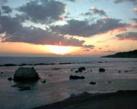 Marianello - Tramonto dalla spiaggia (foto scattata da W. De Caro)   - Licata (7756 clic)