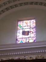 Chiesa di Sant'Angelo - veduta interna della vetrata artistica con l'immagine del Santo  - Licata (3453 clic)