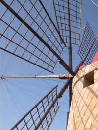 Le svestite pale dei mulini  - Marsala (9987 clic)