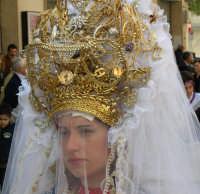 Processione del Giovedì Santo: Ex voto seguono la processione  - Marsala (6598 clic)