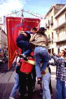 Pasqua, ragazzi a colonna   - Ribera (4891 clic)