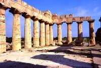 interno tempio greco   - Selinunte (8019 clic)