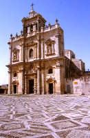 chiesa madre, sagrato e facciata   - Sortino (4500 clic)